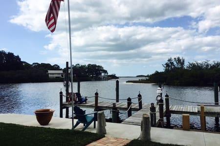 waterfront oasis - Tarpon Springs - Vendégház