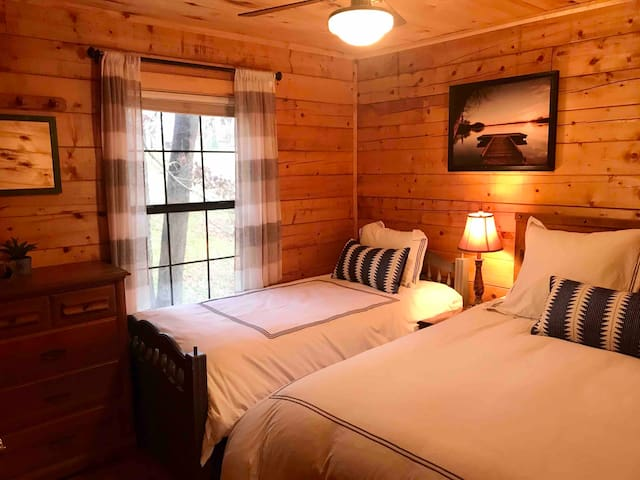 Once a Part of the Beloved Shady Oak Lodge-Cabin 2