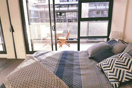 Spacious & Light filled 1 Bed Apartment, with pool - Alexandria - Wohnung