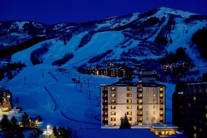 Ski in ski out, great location, available 2/21-28!