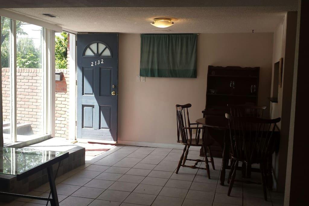 Entranceway & Dining area.