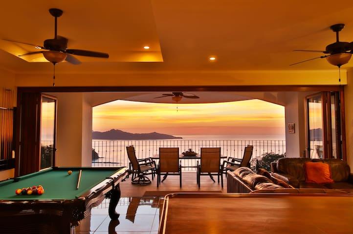Playa Flamingo Ocean View luxury Penthouse