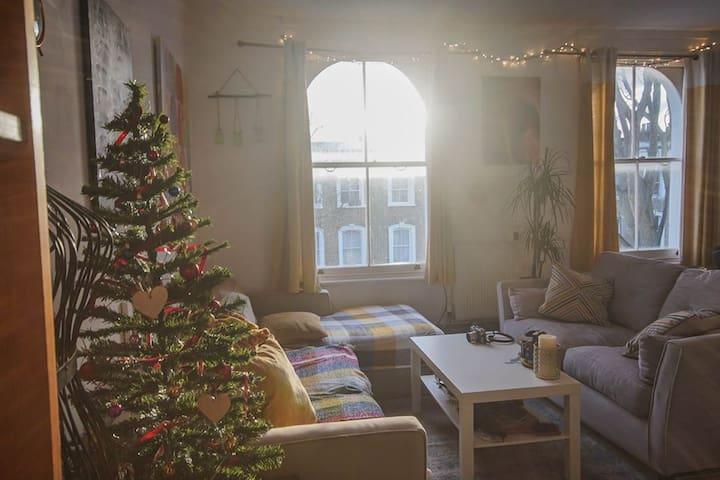 DALSTON - semi-independent 1x bedroom flat