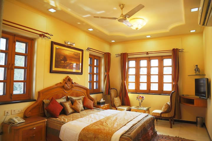 2nd Room - Bedroom