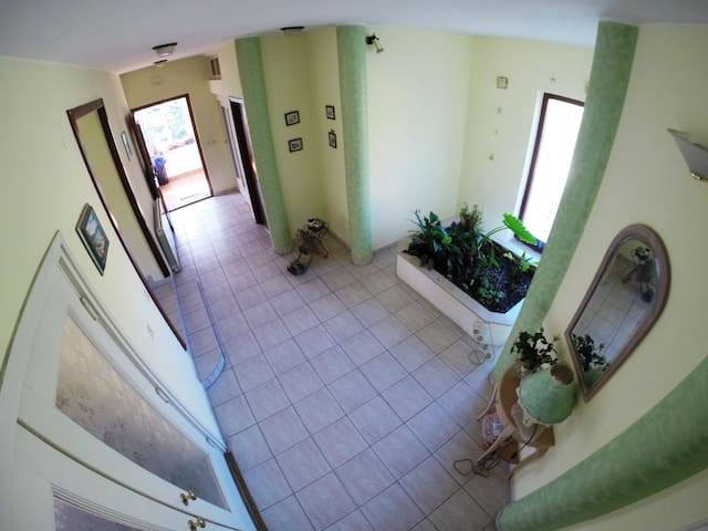 Entire Home Juretić spacy and comfortable - Dražice - Appartement