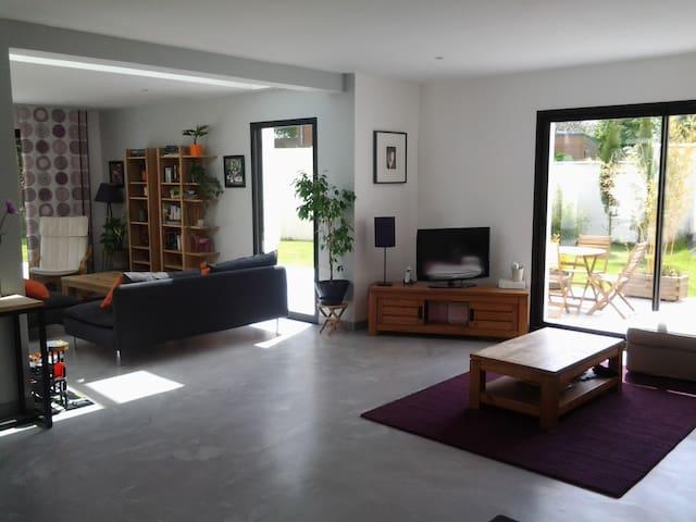 maison d architecte - Maltot - Huis