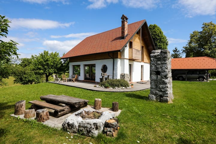Unique cottage house with panoramic view on Ravnik