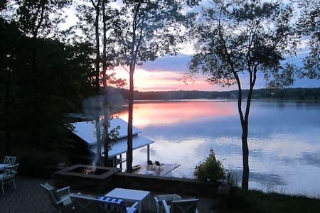 Expansive Water Captivating Sunset Views