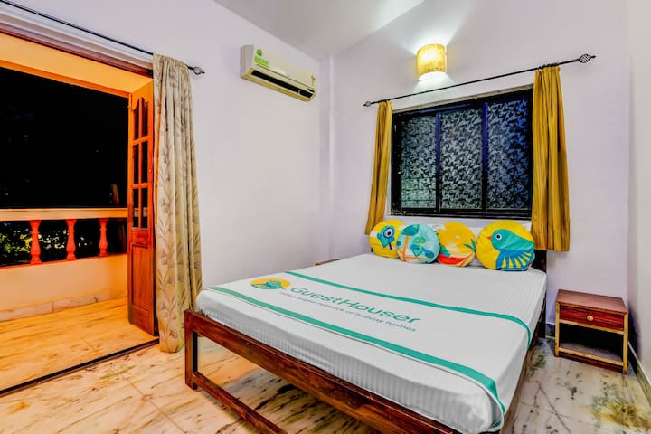 Stylish 2-bedroom villa, near Candolim Beach/71030