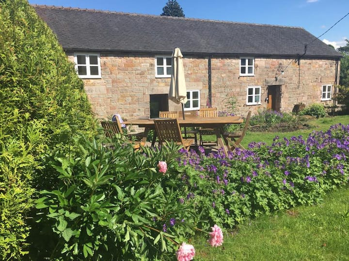 5 bedroom  cottage in rural Staffordshire