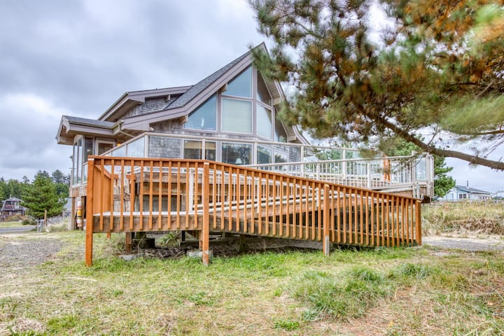 Dog-friendly, waterfront getaway w/ a fireplace, furnished deck, & enclosed yard