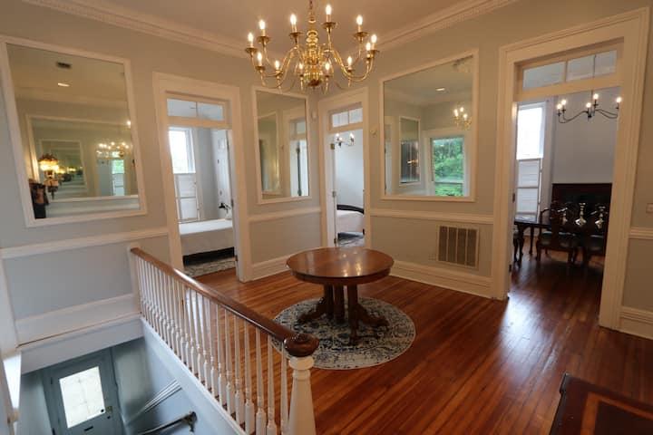 Stunning Old Louisville Apartment