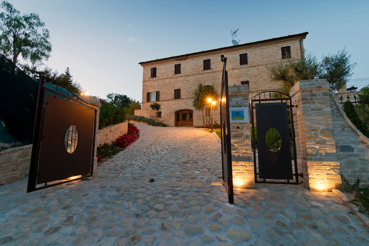 La Collina-Tramontana wellness - Monsampietro Morico - Apartament