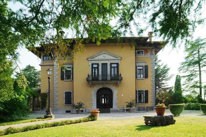 Blue Room in Villa Miotti de Brajda - Tricesimo