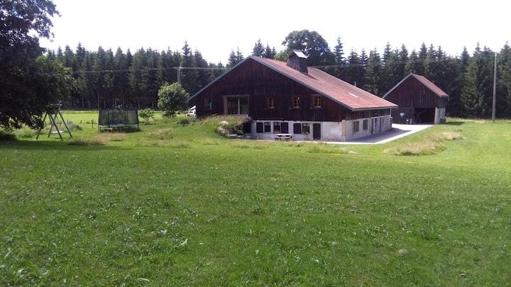 Gite dans ferme rénovée proche de la Suisse