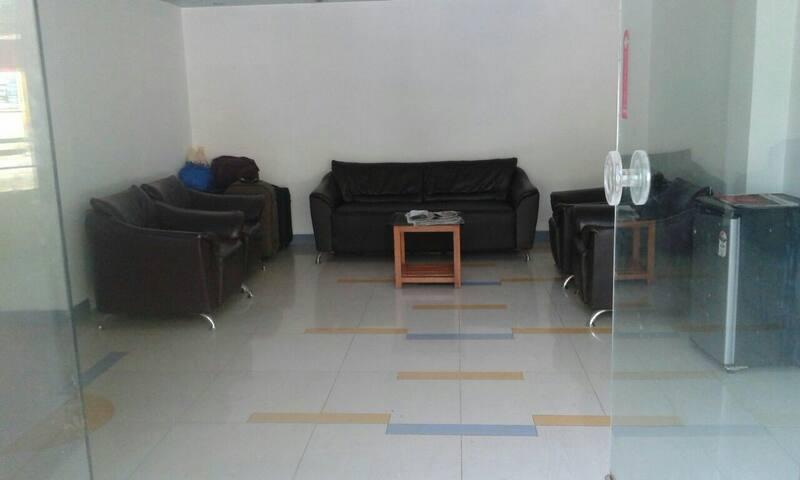 Hotel Rajdhani Lonavala - Lonavala - Bed & Breakfast