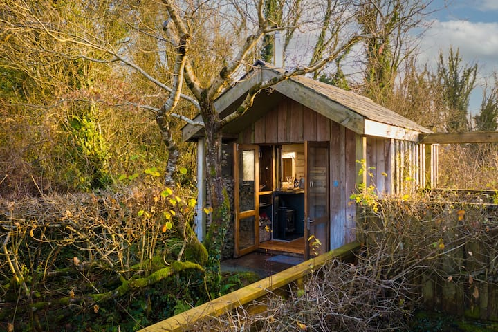 The Writing Shed, romantic rural retreat