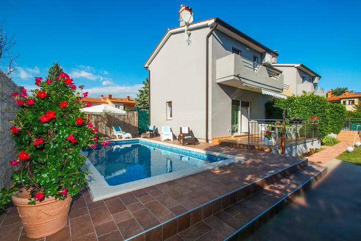 House Dora-Lovely house with a pool - Labin - House
