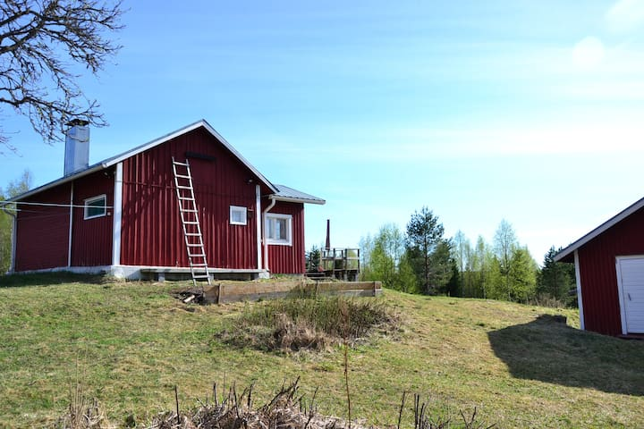 Peaceful cabin and finnish sauna