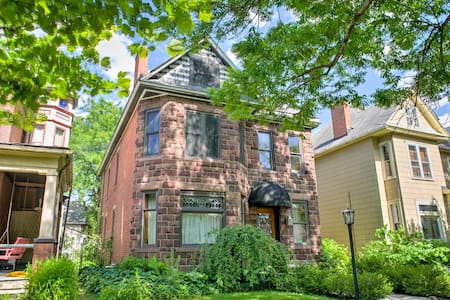 Grand Victorian in the Heart of the Short North - コロンバス