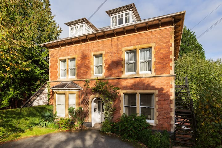 Malvern Rooms-Period Apartment in Heart of Malvern