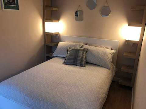 Cottage - private, quiet hideaway for two Brixham