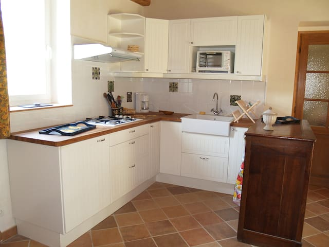 Maison rénovée et chaleureuse, au calme - Nailly - Natur-Lodge