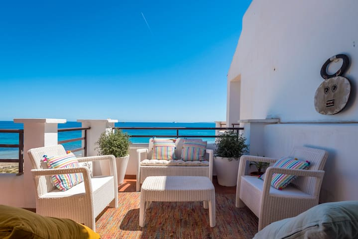 Beachfront penthouse in Playa den Bossa