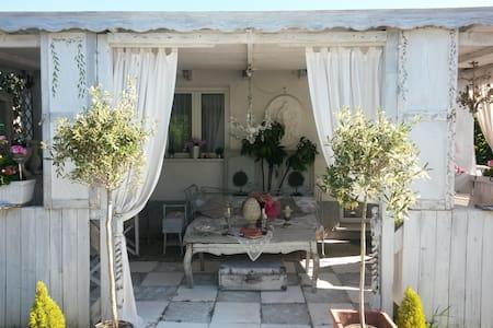 Shabby Home - Sarzana - Bungalow