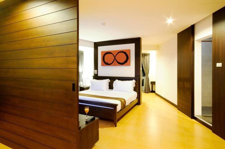 Poonsubchai Grand Hotel