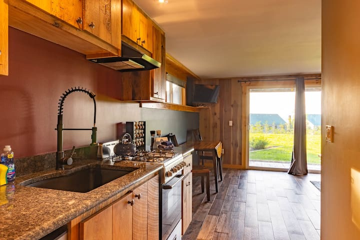 Trailside Burke Mtn Winter Rental, 1 Bed, 2 bath