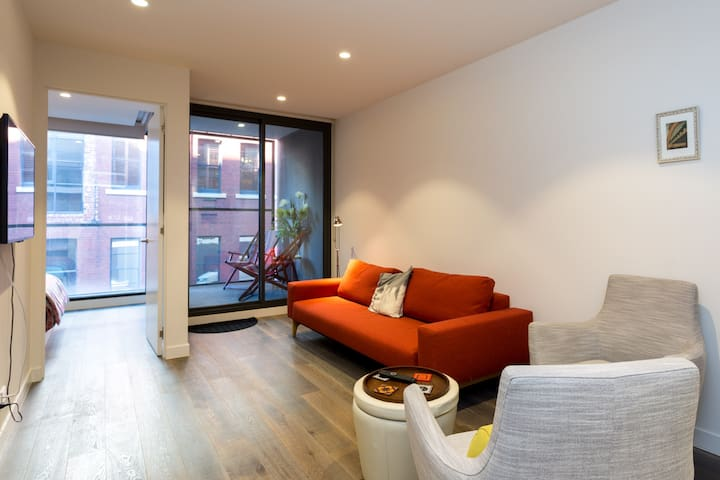 Cool & Cutting Edge Collingwood Apartment
