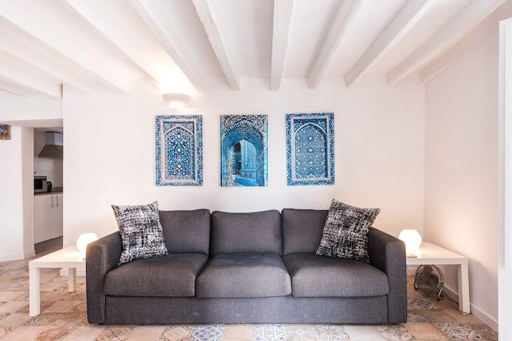 Alicante Blue