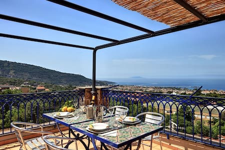 """Annamaria"" Beautiful loft with panoramic view - Piano di Sorrento - Appartement"