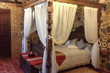 Double room-Suite-Ensuite-Mountain View