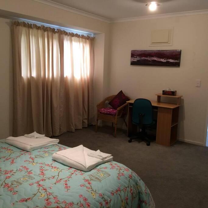 Large quiet double room
