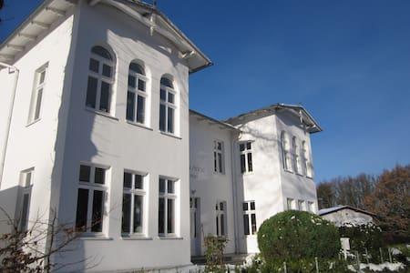 Villa Anna 80 m² FEWO Vergissmeinnicht Zinnowitz
