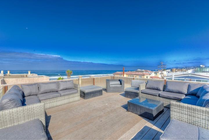 Ocean Breeze Rooftop Deck 2BR+Loft+AC sleeps 10+