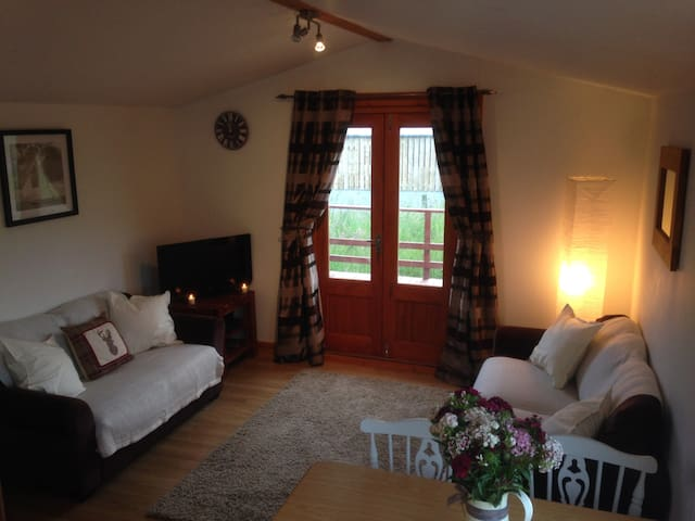 The Lodge at Newmill, Dolphinton - Dolphinton - Chalet
