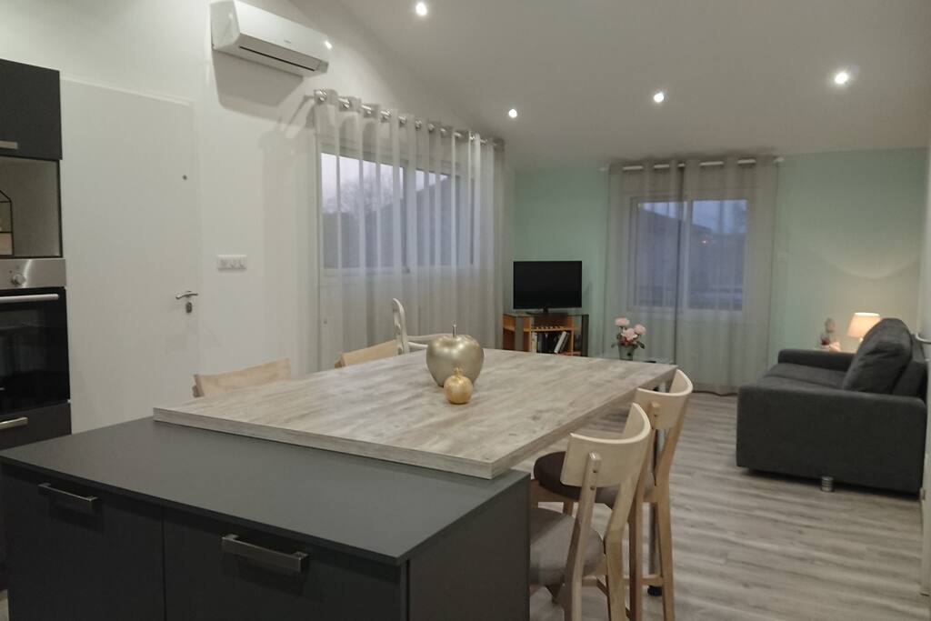 Salon et cuisine 30m2 climatisation réversible