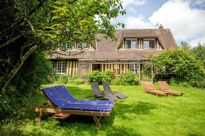 Le Pré Ste-Anne, gîte familial à 10 km de Dieppe - Offranville - Haus