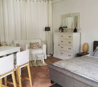 Cosy self-contained Guesthouse - Heemstede - เกสต์เฮาส์