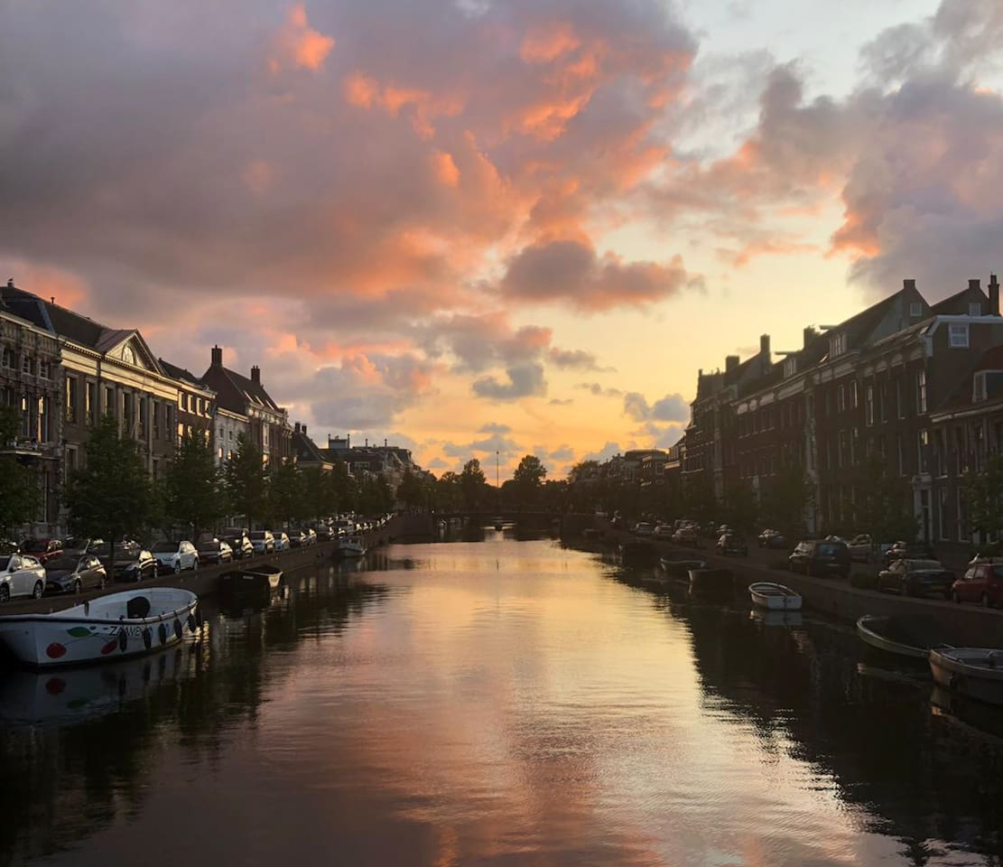Canal by the Jansstraat (centre Haarlem)