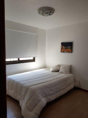 Habitacion matrimonial Villa Allende