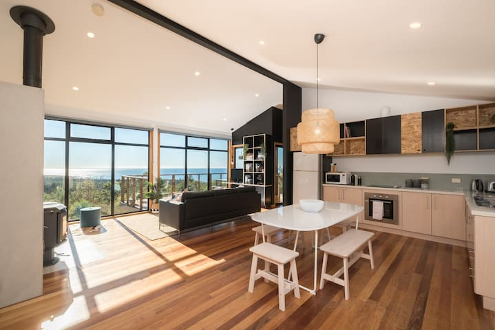 Black Wattle Coastal Retreat