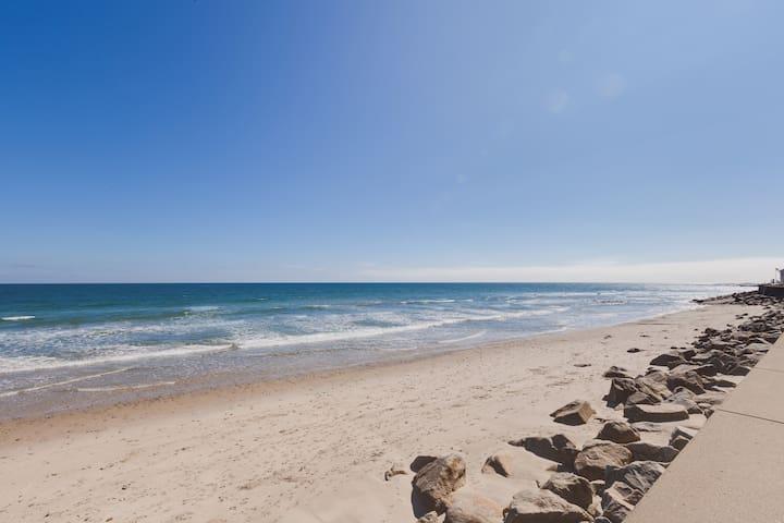 Ocean Front Getaway, Weekend Specials $1000**