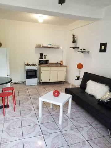 2 bed near beach, food, nightlife on Loiza St.
