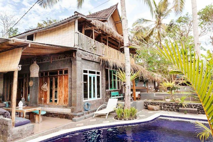 Unique Balian Beach house  Bali ~ 200m to the sea