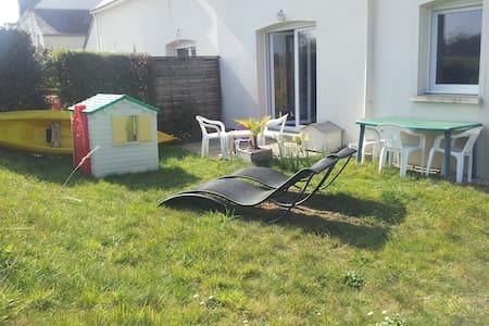 Maison 4 à 5 personnes avec jardin - Pluneret - Σπίτι