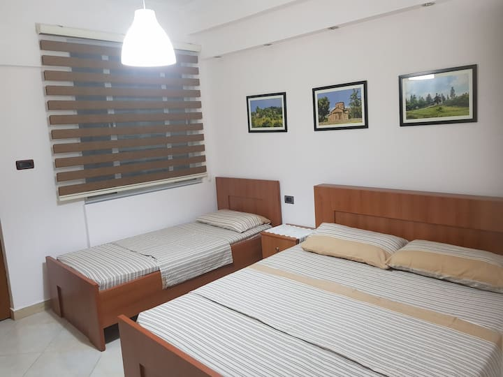 Ilir's Guesthouse, 5 Onsuite rooms. Price/room.